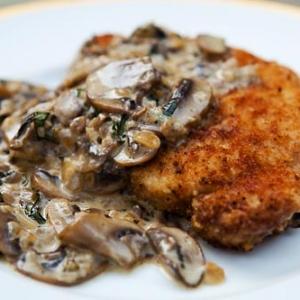 cotlet porc cu sos de ciuperci