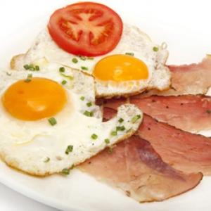ochiuri-cu-bacon